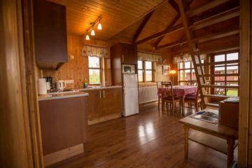 Küche im 6 Personen Cottage in den Hestasport Ferienhäuser, Island