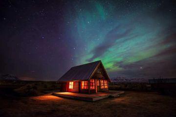 Idyllische Hestasport Ferienhäuser mit Nordlichtern für Ihre individuelle Island Rundreise