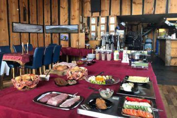 Frühstück im Bauerngasthof Heydalur auf Ihrer individuellen Island Rundreise